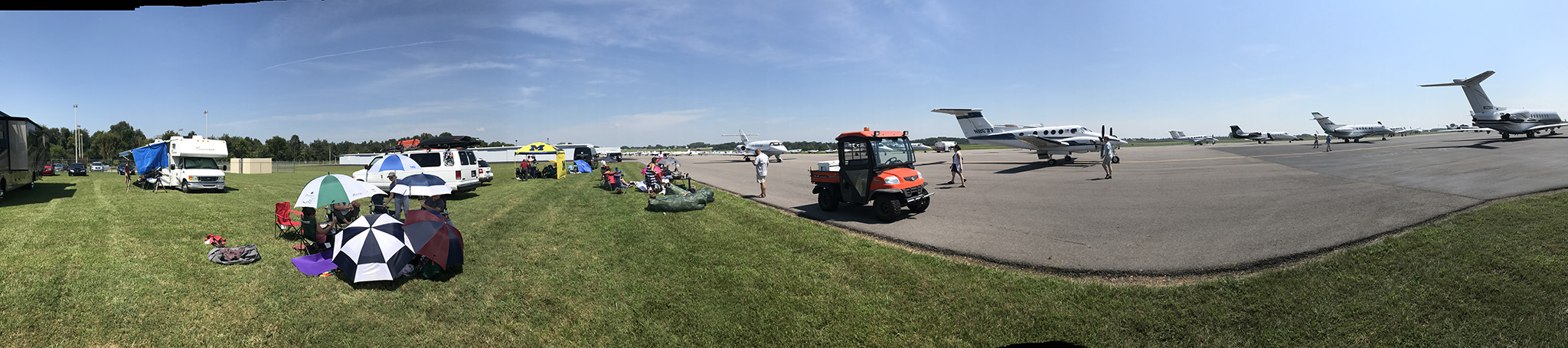Clarksville airport as totality approached